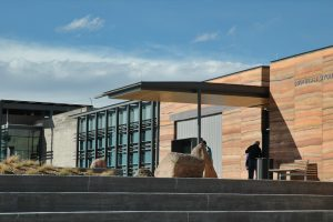 southeast-wyoming-welcome-centre-rammed-earth-4